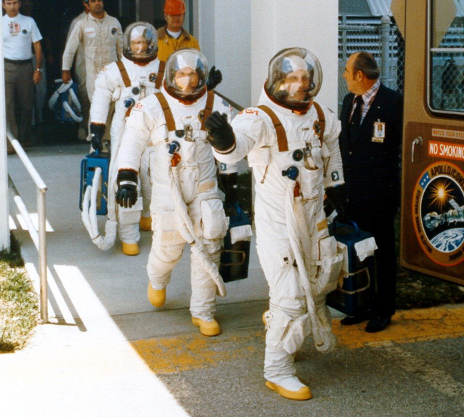 apollo a7l spacesuit - photo #25