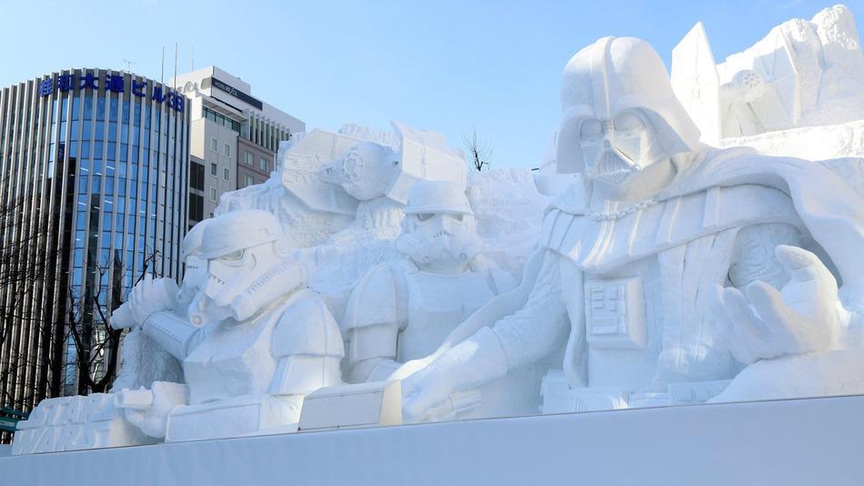 Japanese Army Creates Star Wars Snow Sculpture.