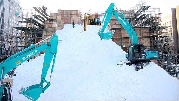 star-wars-snow-sculpture2