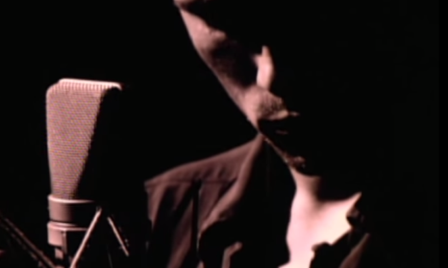 "Jeff Buckley's beautiful rendition of ""Hallelujah"" stirs the soul"