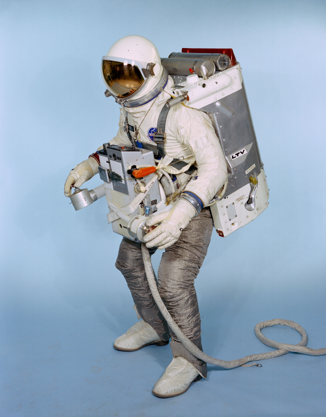 history-of-spacesuits-16