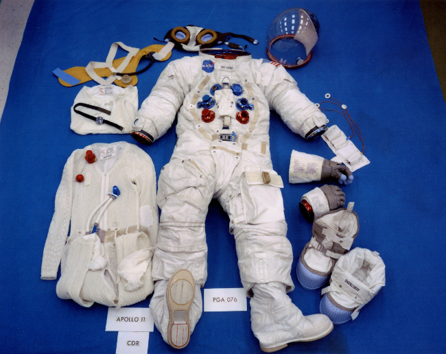 history-of-spacesuits-23