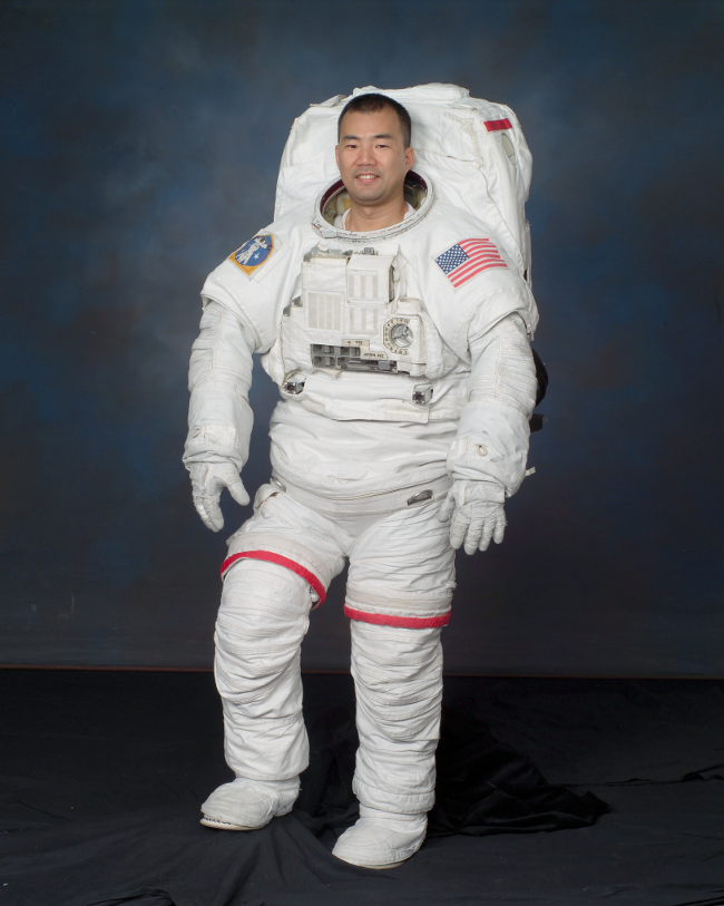 history-of-spacesuits-33
