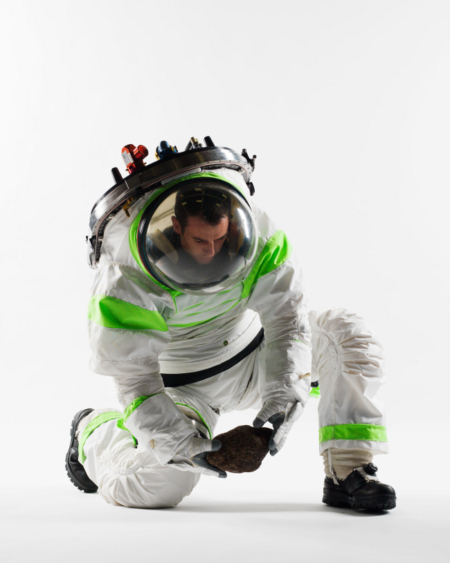 history-of-spacesuits-38