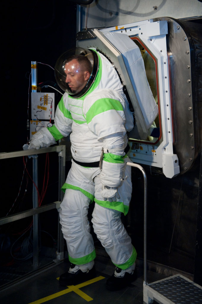 history-of-spacesuits-40