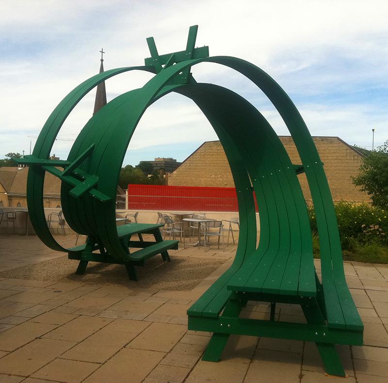 looping-picnic-table-3